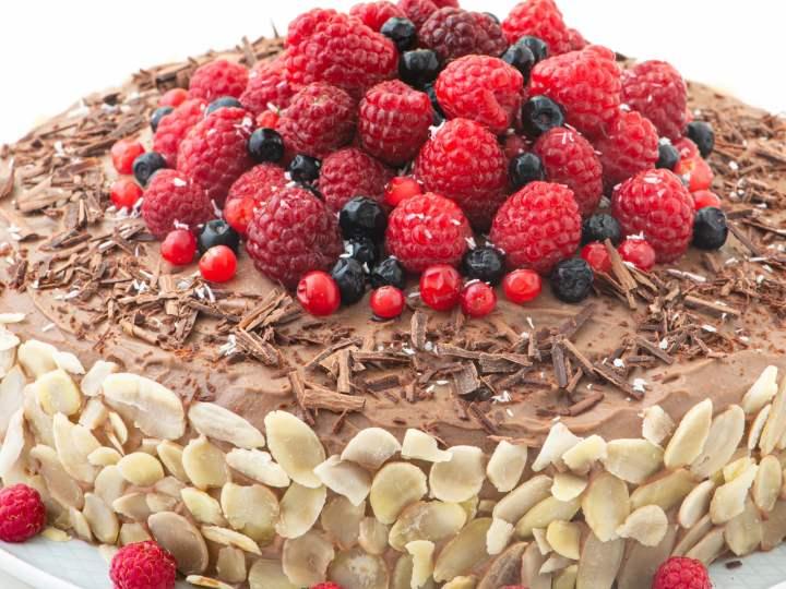 Pleasant Chocolate Raspberry Cake Wellnessdove Personalised Birthday Cards Arneslily Jamesorg
