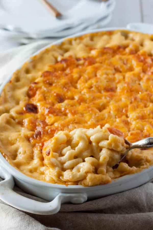 macaroni and cheese platter