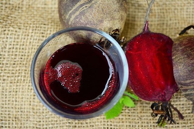 Beetroot Pomegranate Juice- Recipe and benefits
