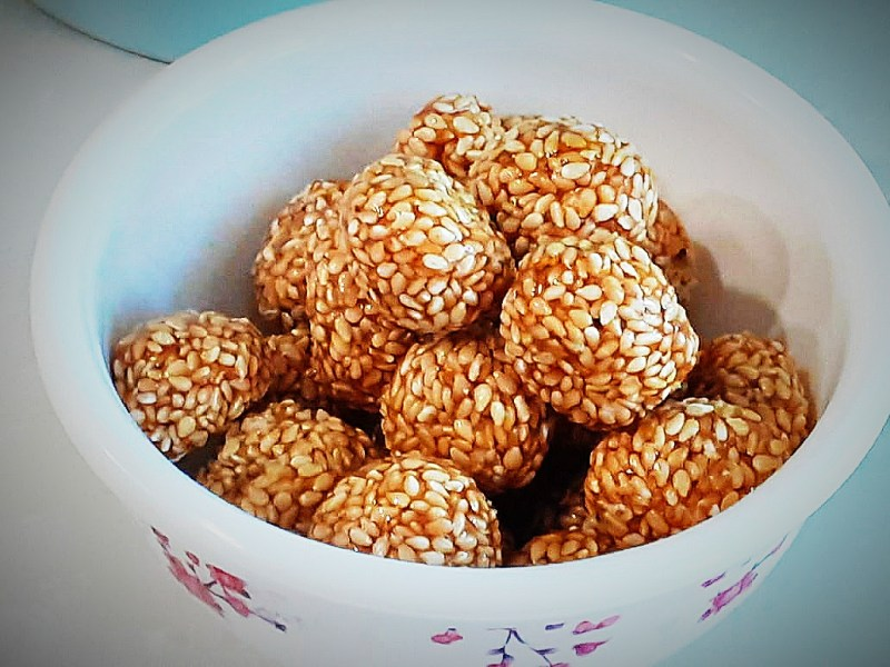 How to take til for improving hemoglobin? Til laddu is rich in iron