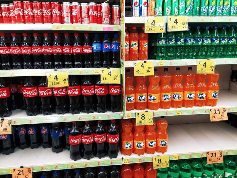 5 toxins you are feeding to your child- soft drinks are nothing but sugar