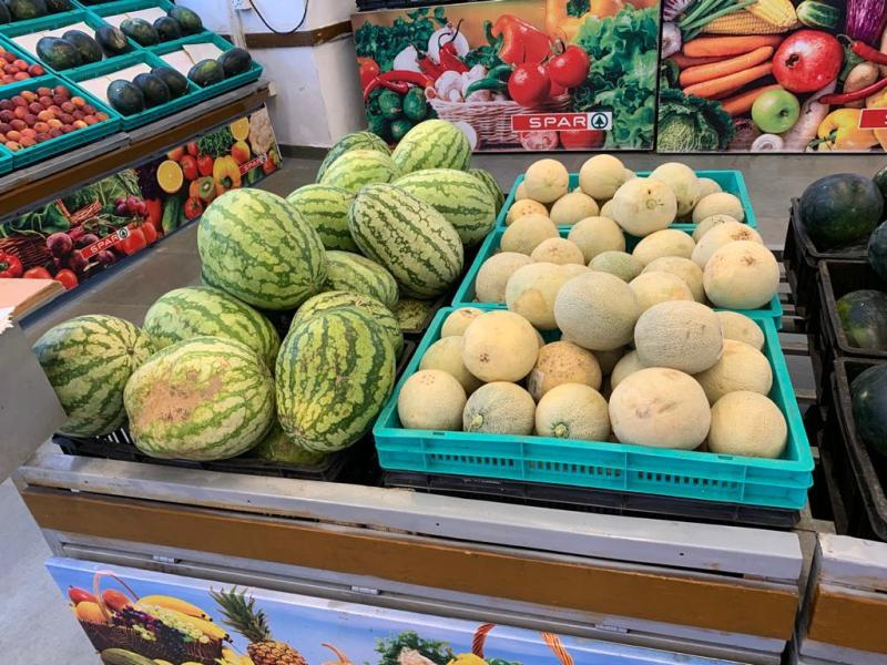 Local vs exotic fruits in india- what to choose?