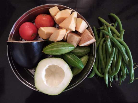 Use various types of vegetables in Dalma