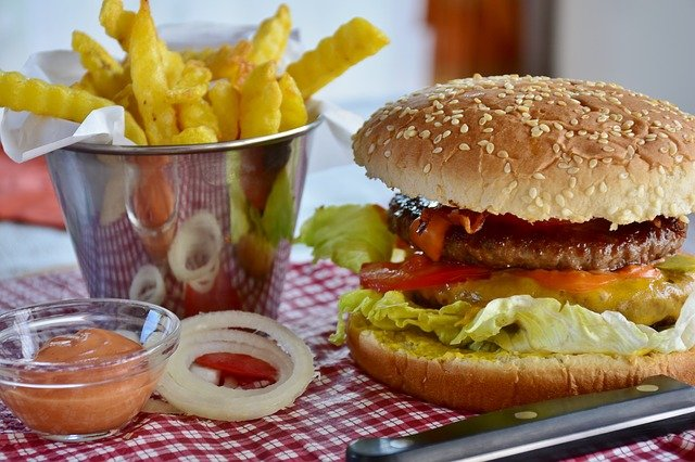 How to control eating junk foods 1