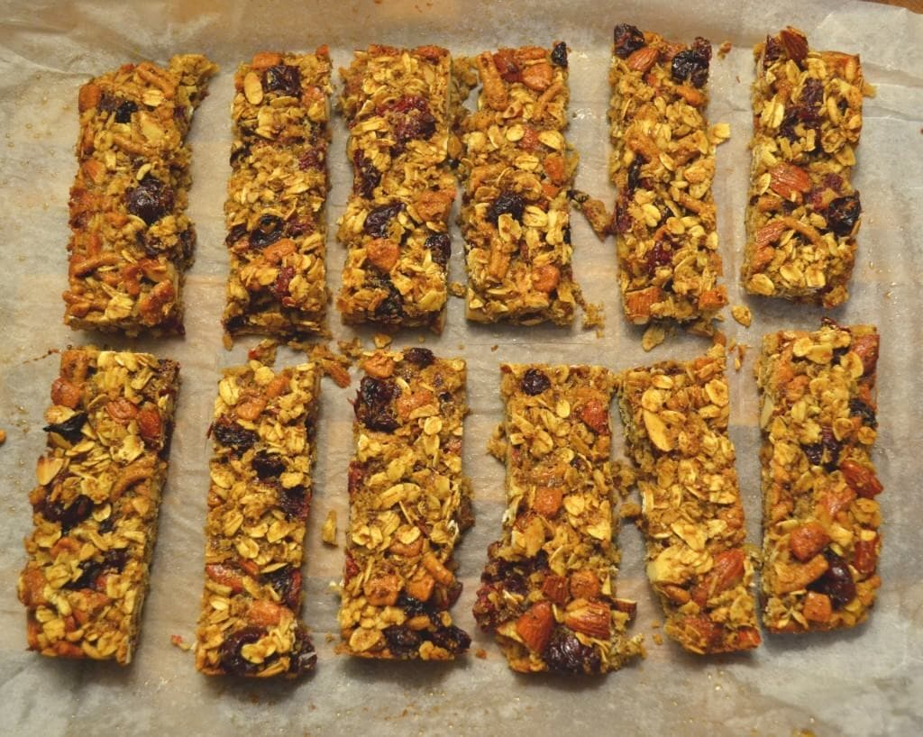 Cranberry Almond Granola Bars | The Law Student's Wife