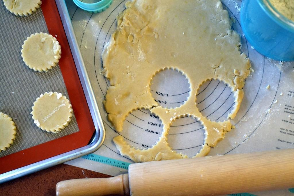 Lemon-Shortbread-Cookies-with-Lemon-Icing-Recipe