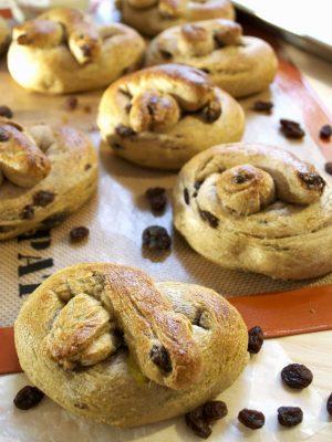 Soft-Whole-Wheat-Raisin-Pretzels-Recipe