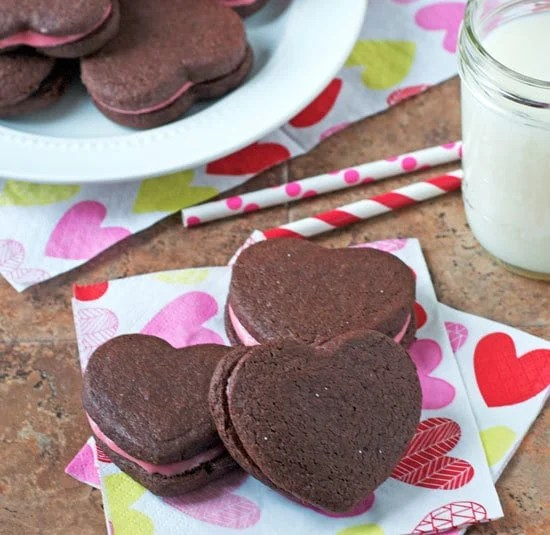 Valentine's Chocolate Sandwich Cookies with Raspberry Cream Cheese