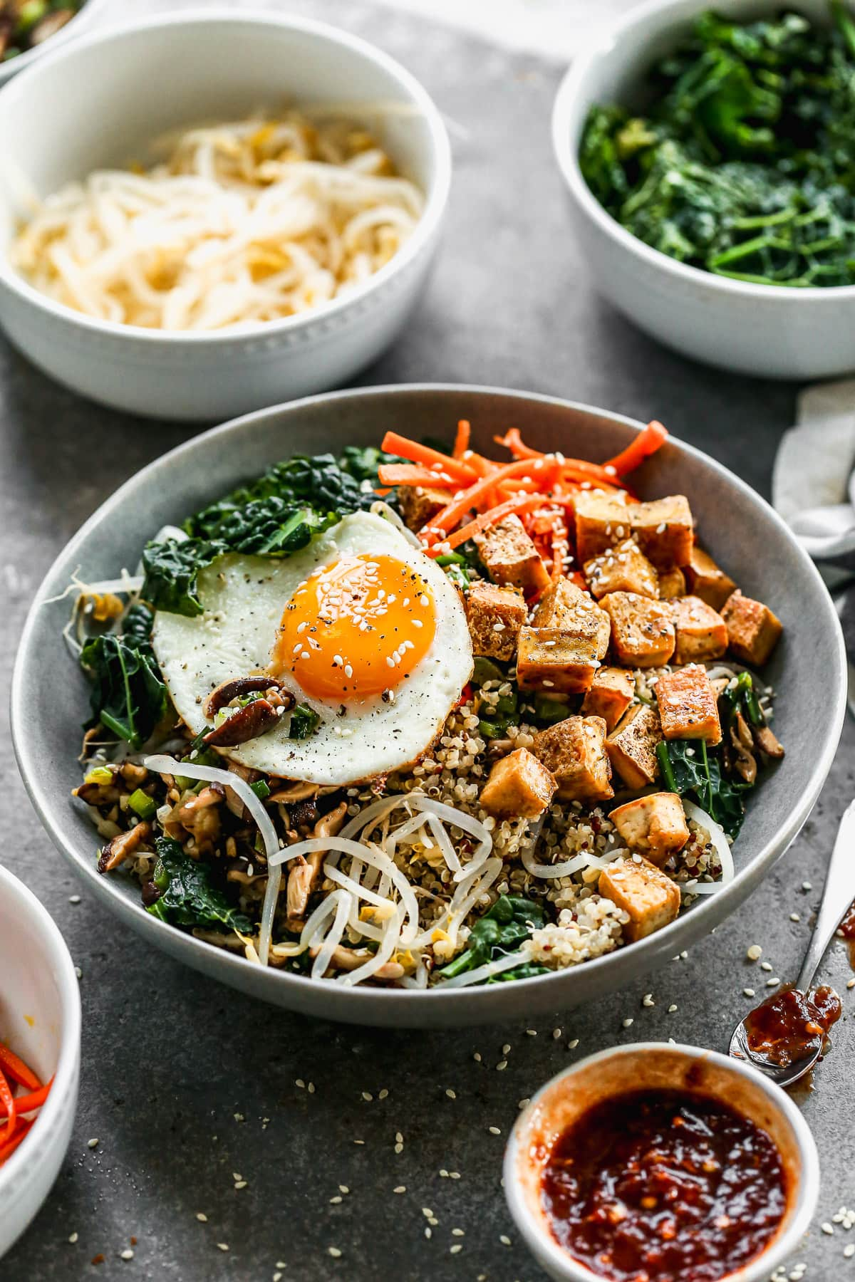 Vegetarian Bibimbap with Crispy Tofu and Quinoa. Gluten free and healthy!