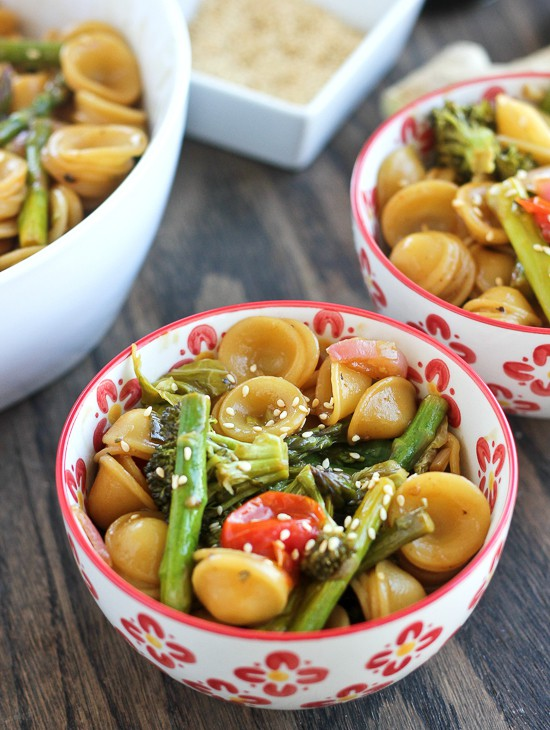 Asian Roasted Sesame Ginger Pasta. Simple, healthy, and delicious!