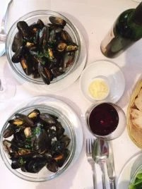 moules mariniere at L'Amoricaine