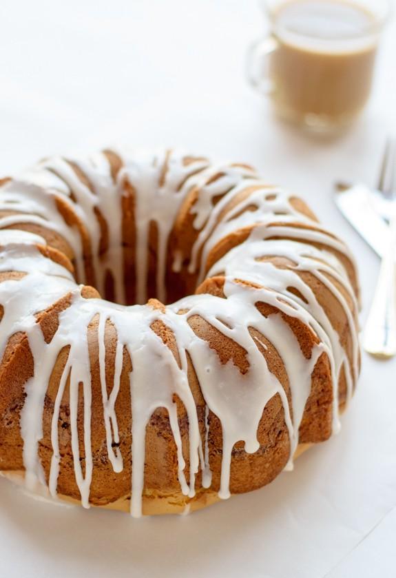 Easy Butter Bundt Cake with Cinnamon Pecan Streusel