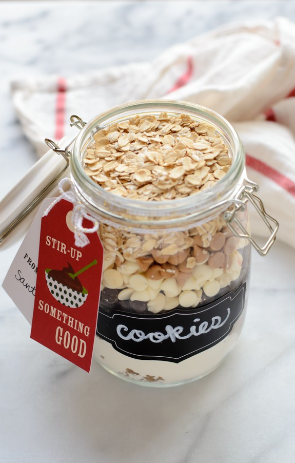 Triple Chip Oatmeal Cookie Mix in a Jar with Free Recipe Printable. Perfect holiday gift