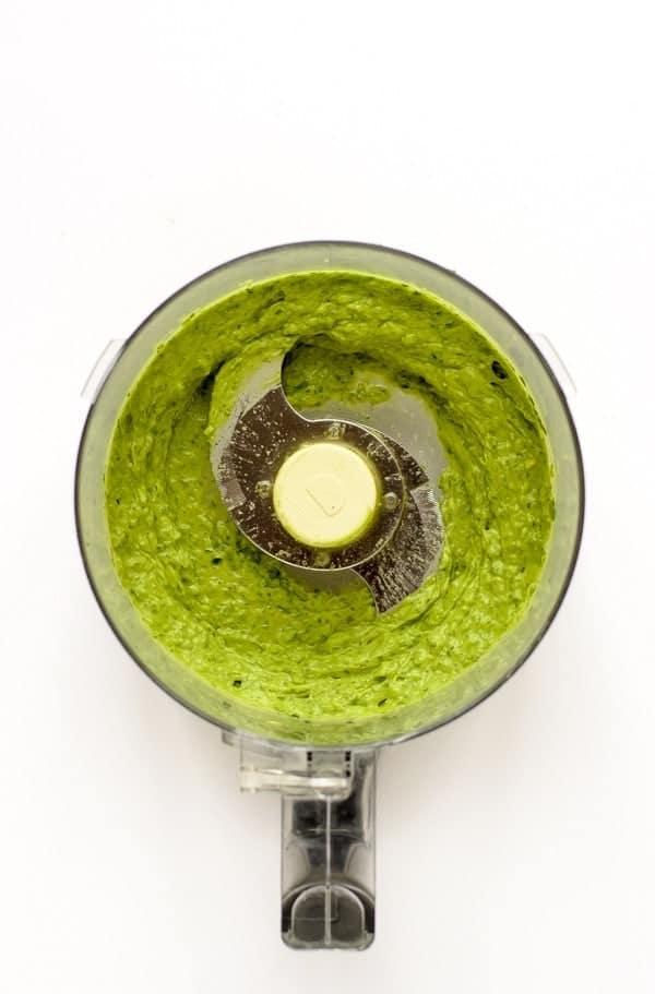 Super food avocado pesto