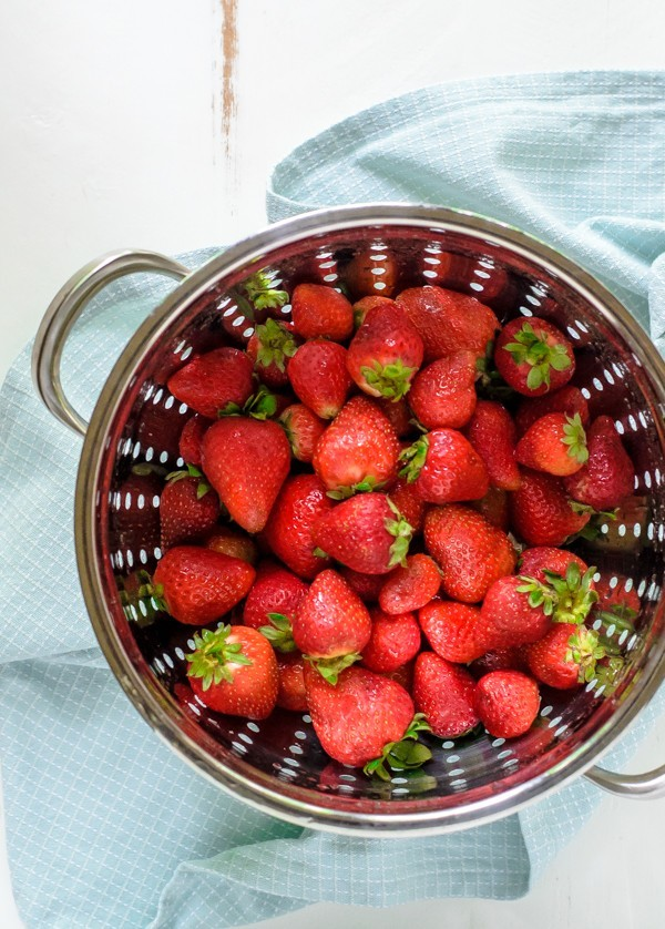 How to make the best Strawberry Chia Jam with only 3 ingredients