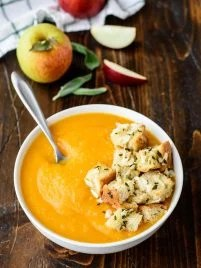 Butternut Squash Apple Soup. A healthy and easy butternut squash soup recipe. Perfect for freezing and reheating!