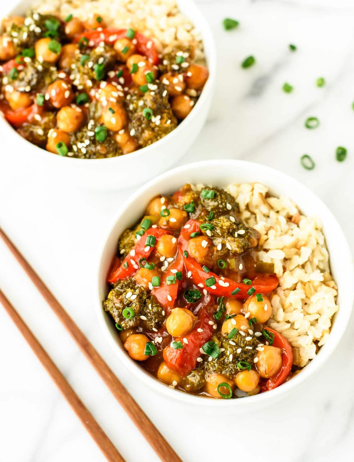 The BEST General Tso's Recipe - General Tso's Chickpeas. Ready in 20 minutes and half the calories of the original!