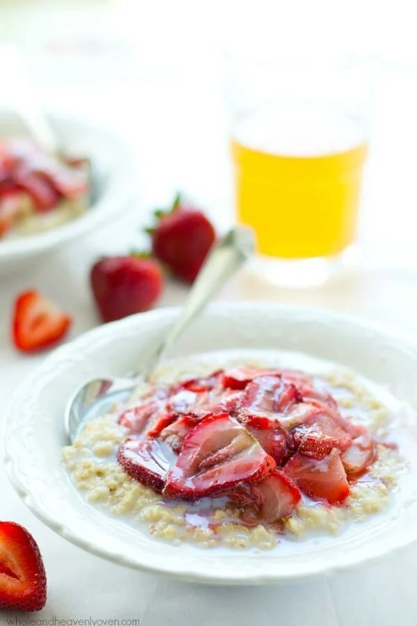Stay full and satisfied all morning long with this creamy steal-cut oatmeal topped with roasted strawberries! A fun, healthy oatmeal recipe your family will love.