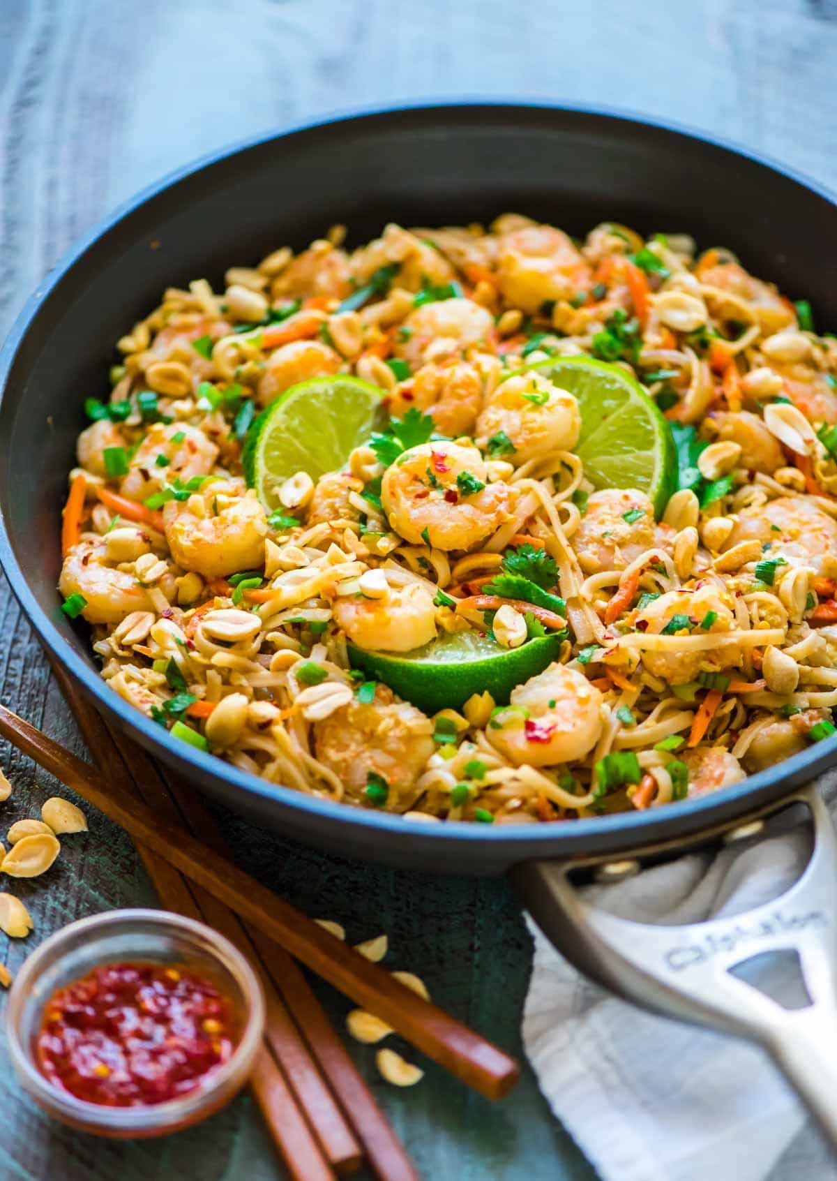 15 Minute Shrimp Pad Thai. Easy, healthy recipe that's even better than take out! Recipe at wellplated.com   @wellplated