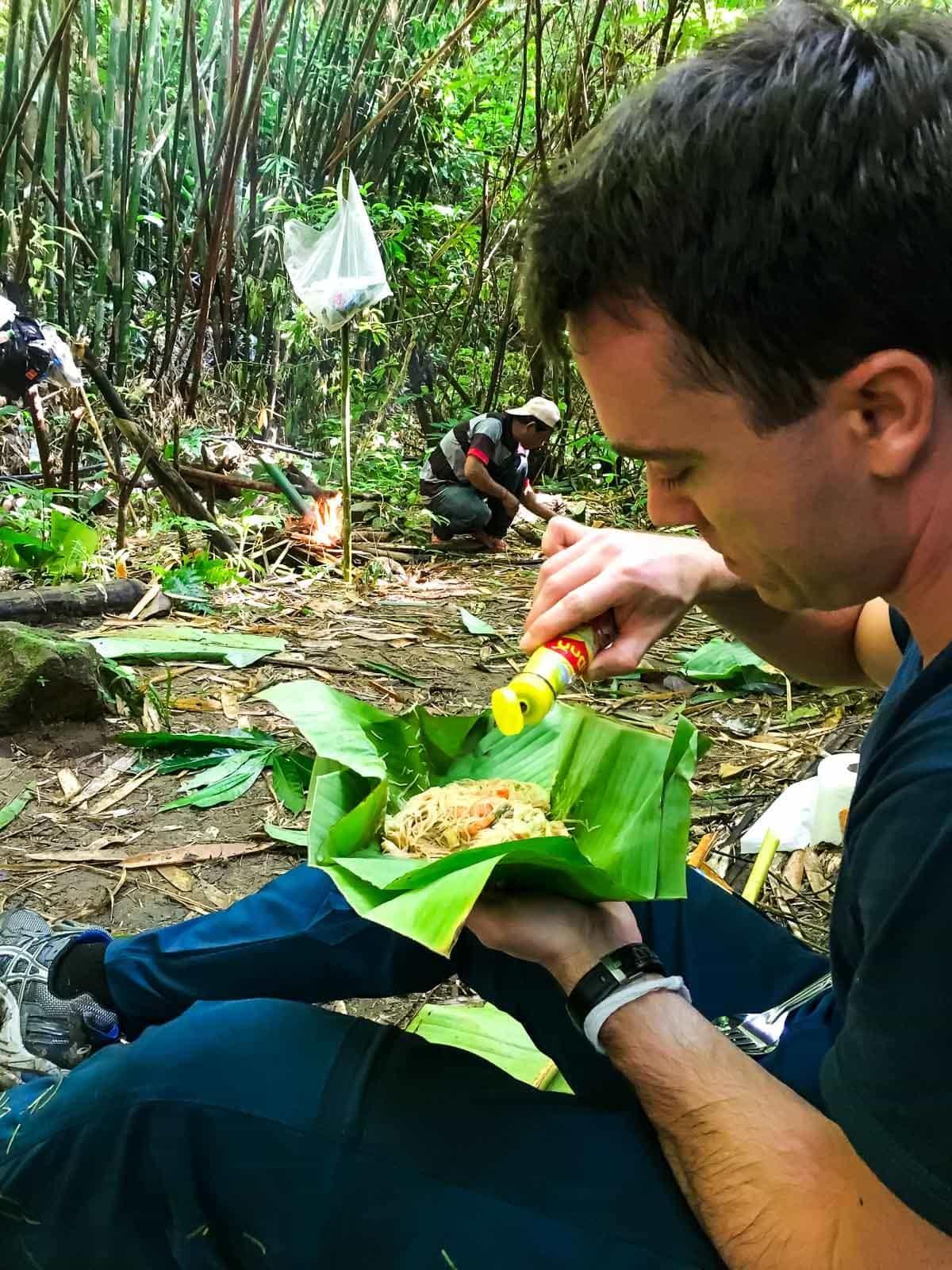 Northern Thailand hiking - Banana leaf noodle lunch