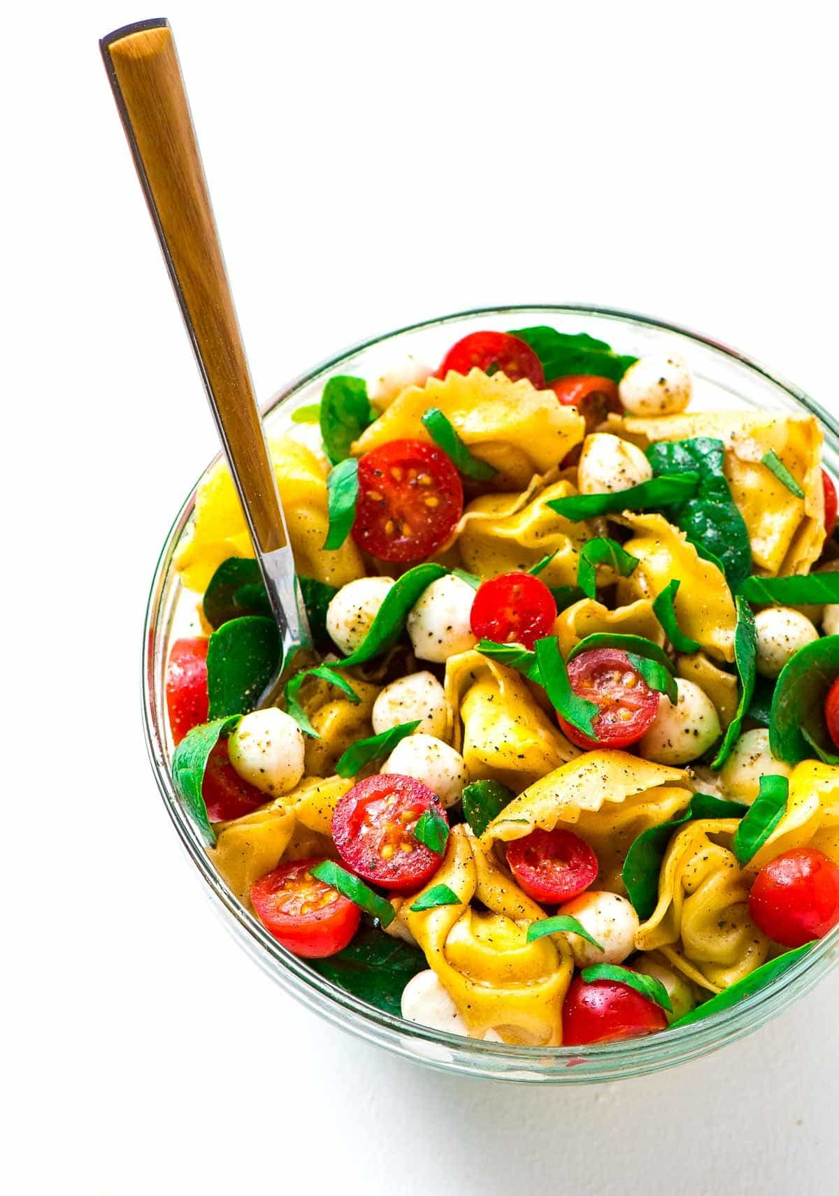 Caprese Pasta Salad recipe with balsamic and tortellini. Simple and delicious! Recipe at wellplated.com | @wellplated