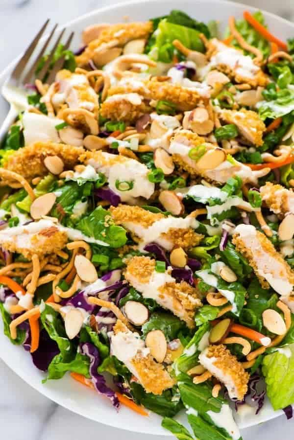 Tastes EXACTLY like Applebee's Oriental Chicken Salad! Easy copycat restaurant recipe that anyone can make at home. Recipe at wellplated.com   @wellplated