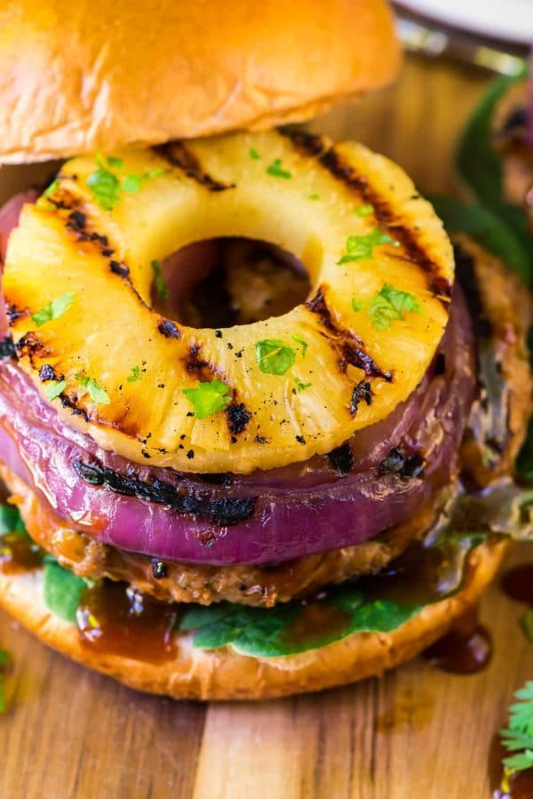 Hawaiian Turkey Burgers with Teriyaki burger sauce. Recipe at wellplated.com | @wellplated