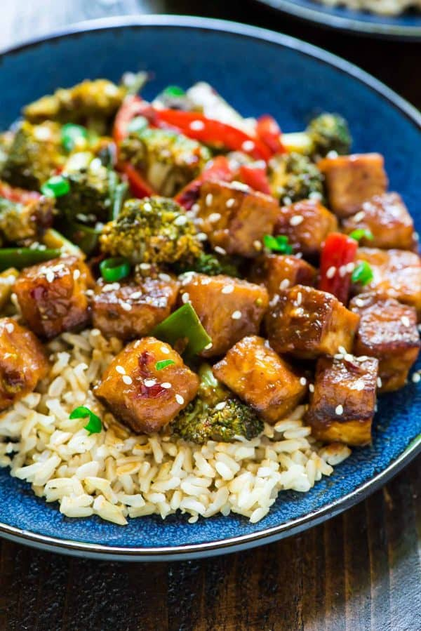General Tso's Tofu. DELICIOUS and so much more healthy than takeout! {vegan, gluten free}
