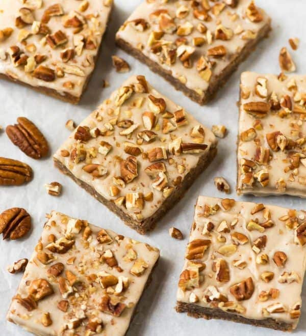 Soft and chewy Flourless Vegan Maple Pecan Blondies. Secretly healthy and made with white beans or chickpeas, maple syrup, oats, and coconut oil. NO butter, gluten free and absolutely delicious! #vegan #GlutenFree #blondies #cleaneating