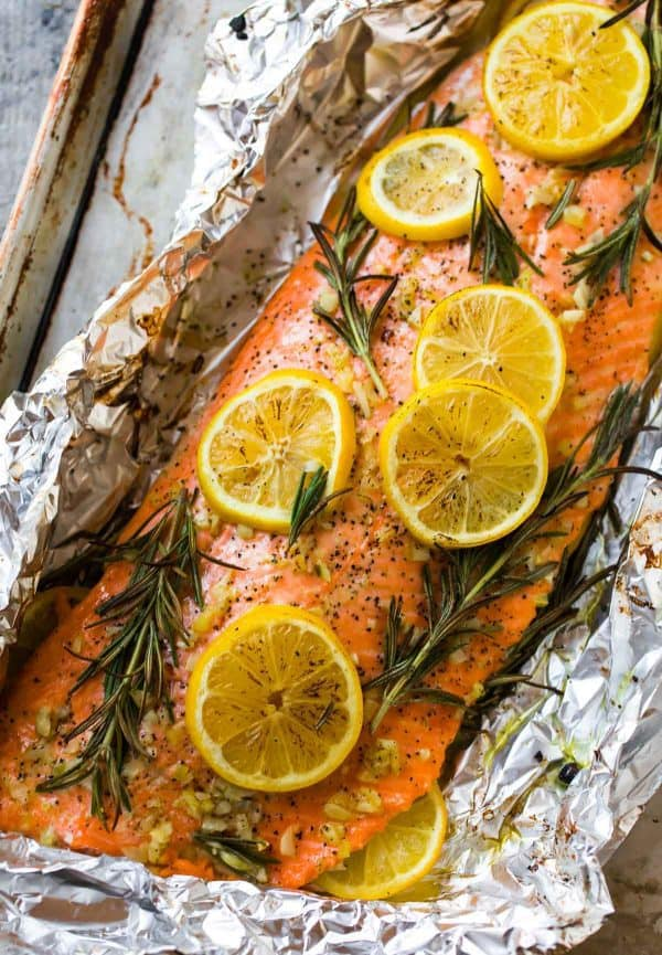 Delicious and easy baked salmon in foil with garlic and lemon.