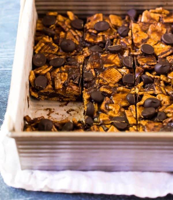 Easy Golden Grahams Peanut Butter Treats. These taste like s'mores!
