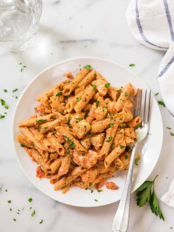 Healthy Penne Alla Vodka with Chicken Recipe. A simple and delicious healthy pasta recipe.