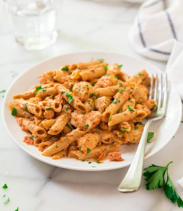 How to make the best penne alla vodka with chicken. One of the must-try pasta sauces!