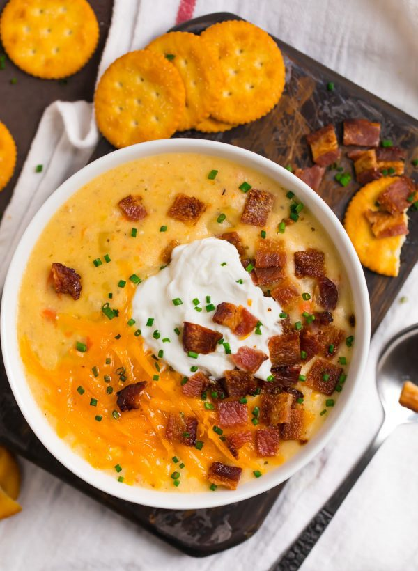 Crockpot Potato Soup. A weeknight dinner the whole family will love!