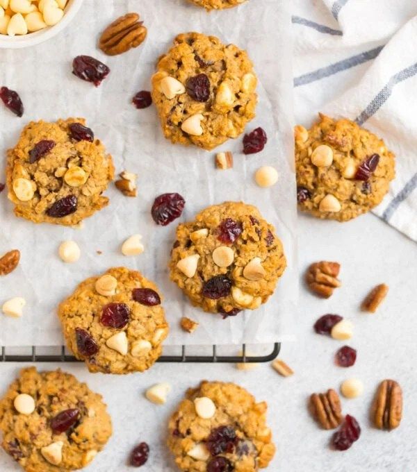 Crispy cranberry oatmeal cookies with white chocolate and pecans