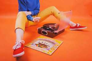How teens and hipsters stain the resurgence of Vinyl