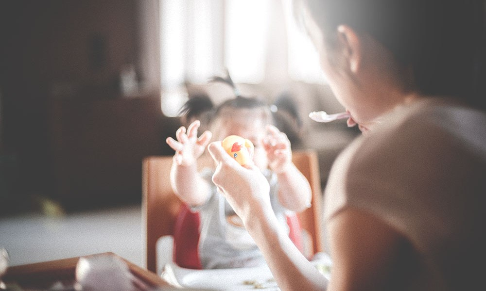 Let's better understand how external pressures around food impacts our children, and what we can do to raise an intuitive eater.