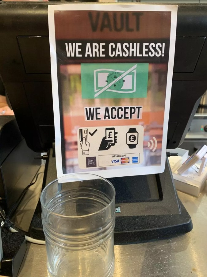 Bar in the site of an old bank is cashless - The Market House, Reading