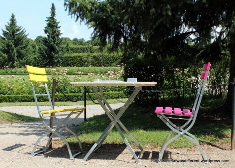Cafe in the gardens.
