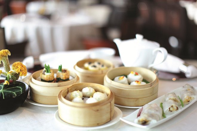 Tables of dim sum will keep the appetite satiated. Image Hong Kong Tourism Board.