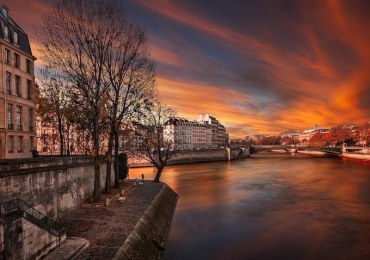 Seine River 800x600