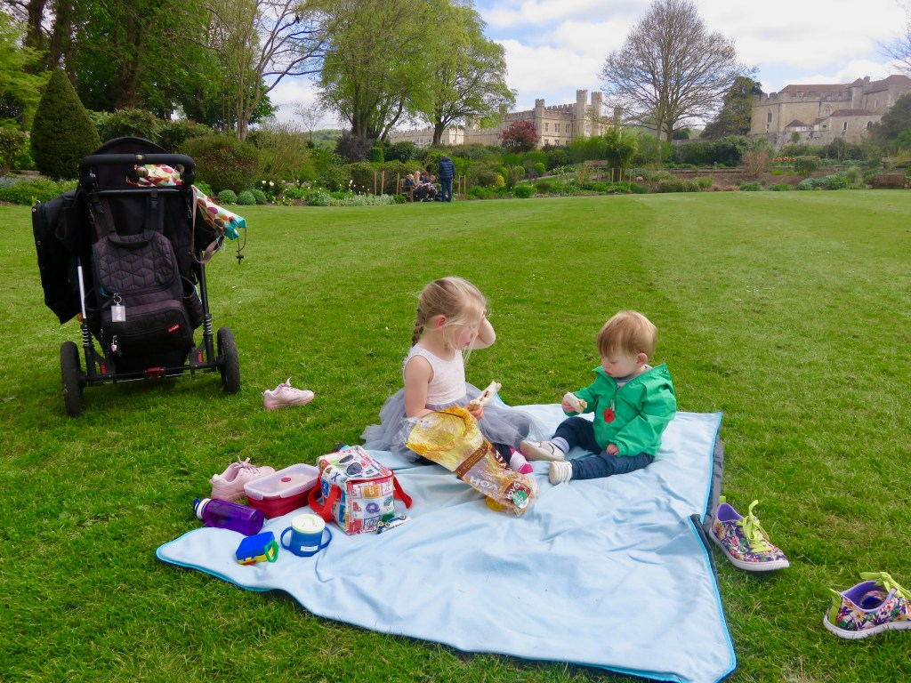 Picnic in Leeds Castle grounds