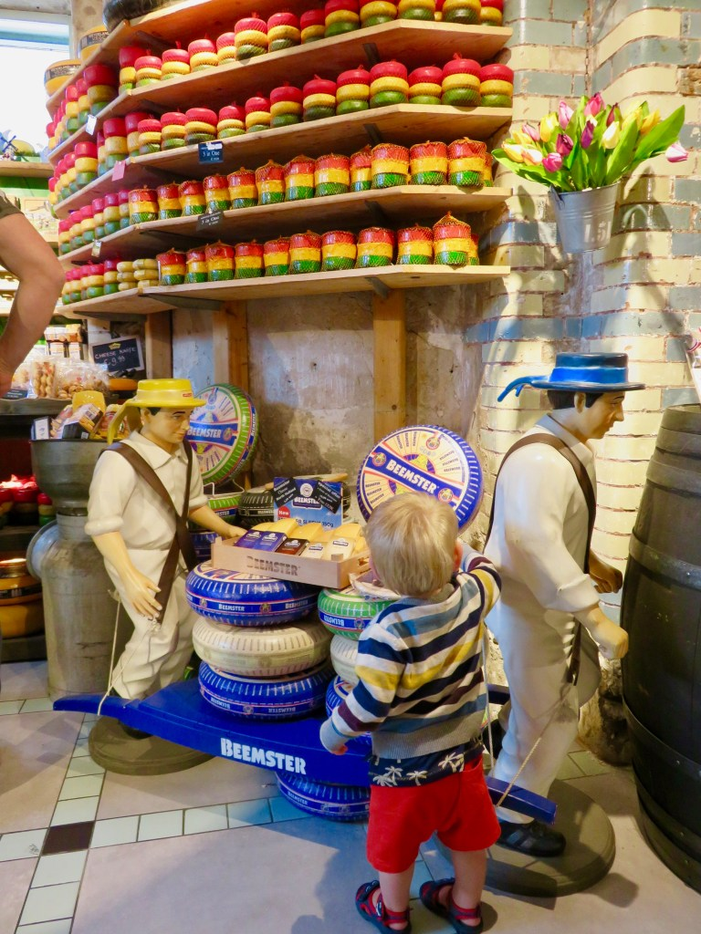Cheese shop on Damrak Street