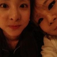 [NEWS] 2NE1's Sandara Park Snaps A Cute Selca with CL!