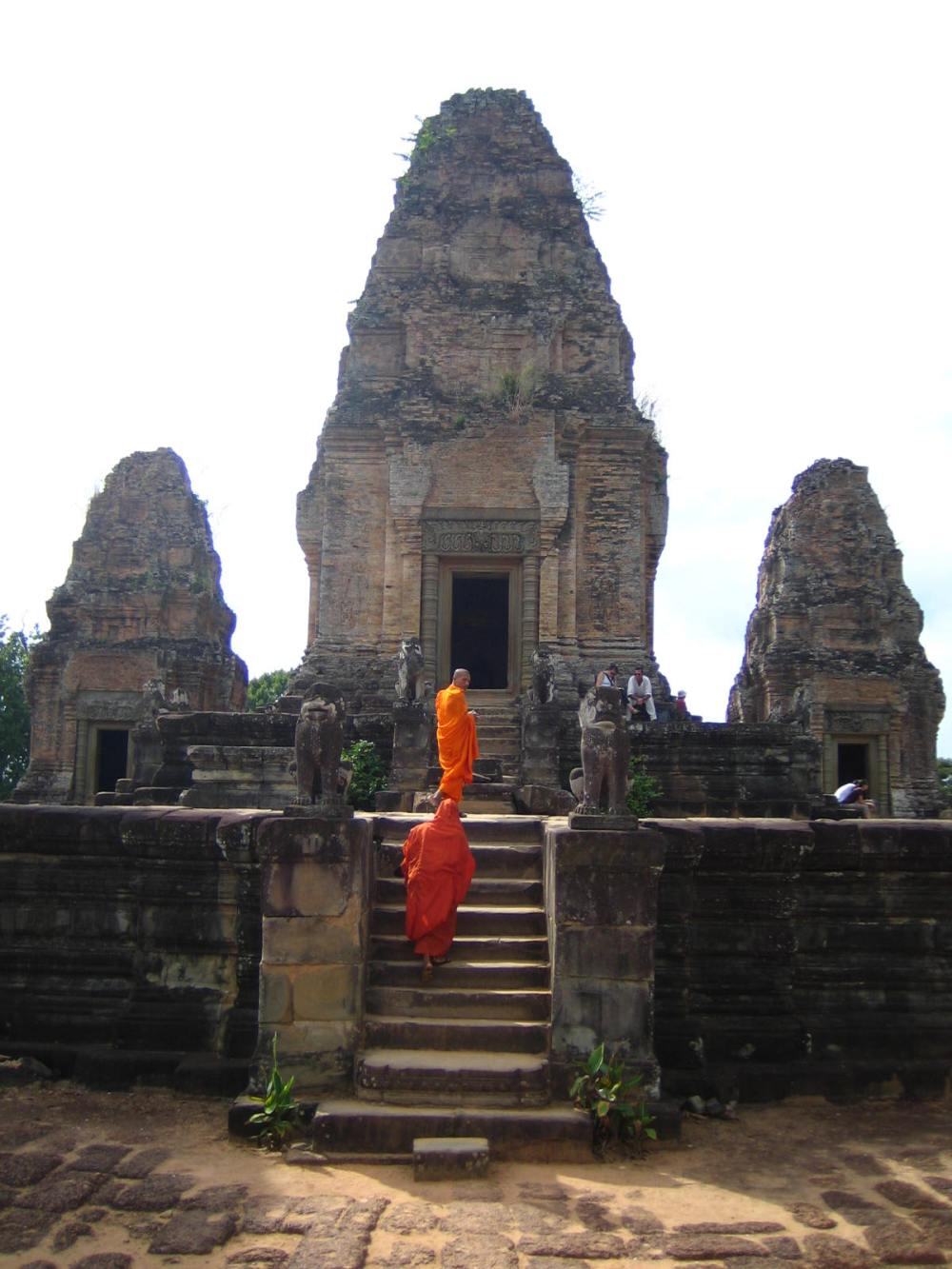 057 - Monks, Mebon Temple