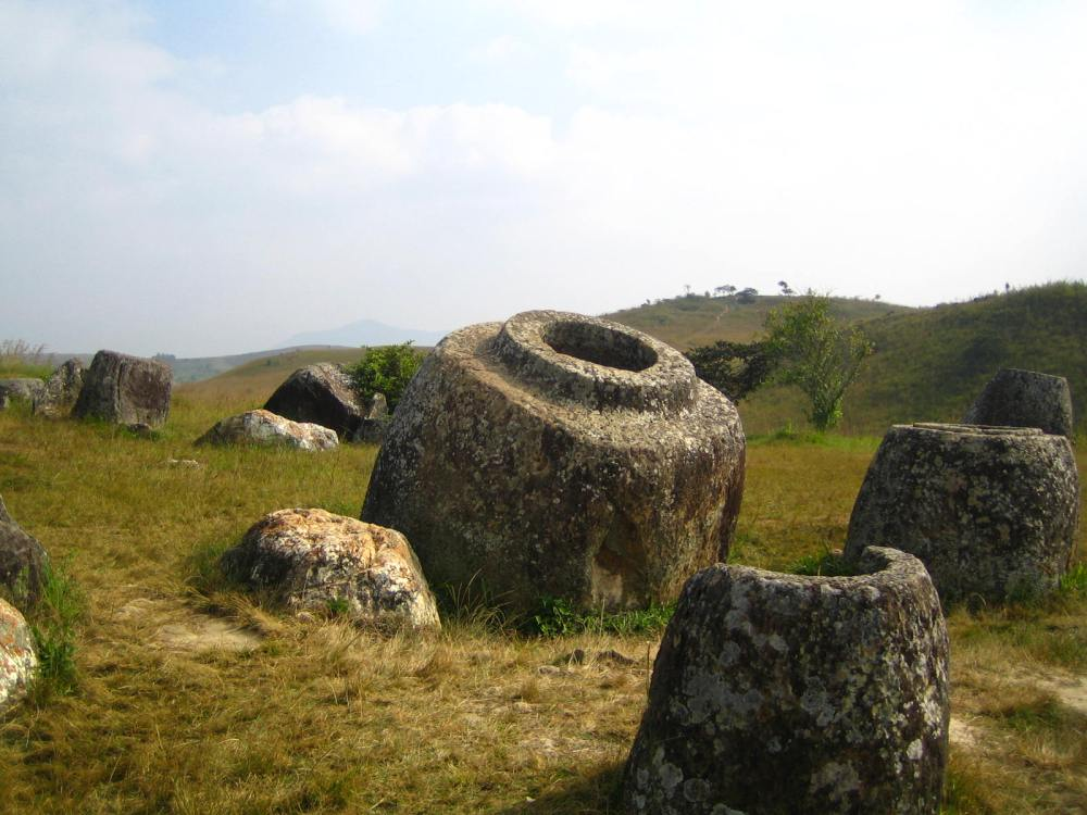 119 - The biggest jar, Plain of Jars site 1