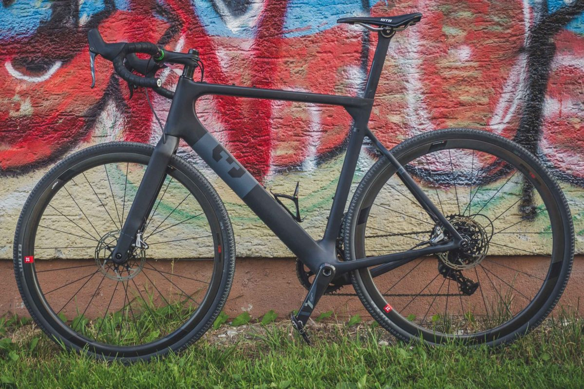 3T Exploro versus the Open U.P. - Carbon gravel super bikes tested