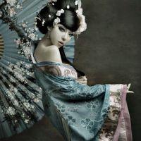 Kimono girl with fan