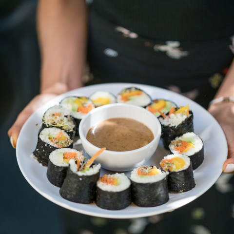 Raw maki mangue & avocat