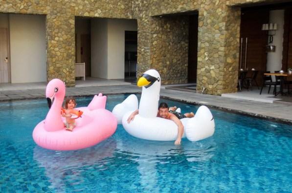 Pool Mahogany Hotel